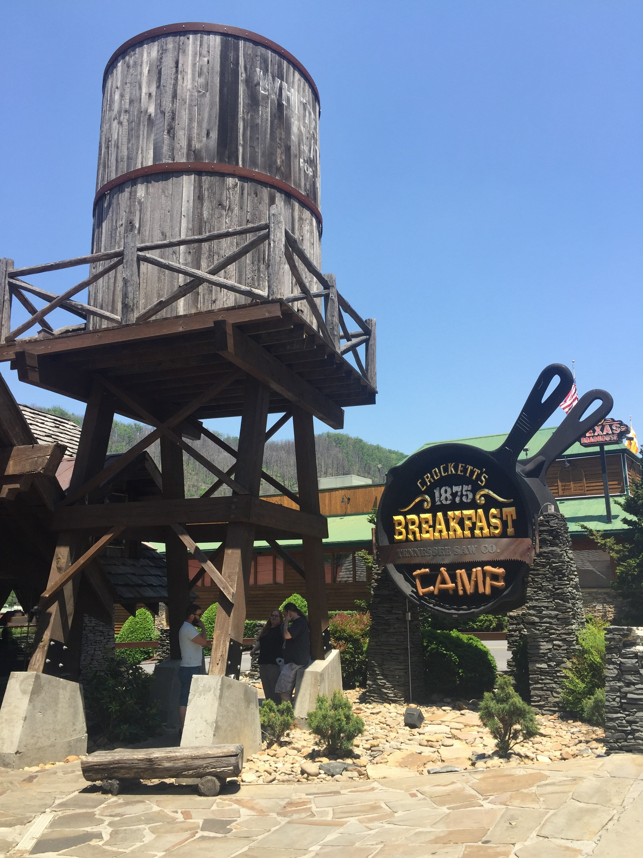 Crocktt's Breakfast Camp building
